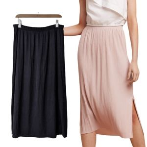 Aritzia Wilfred Celesse Plisse Pleat Midi Skirt